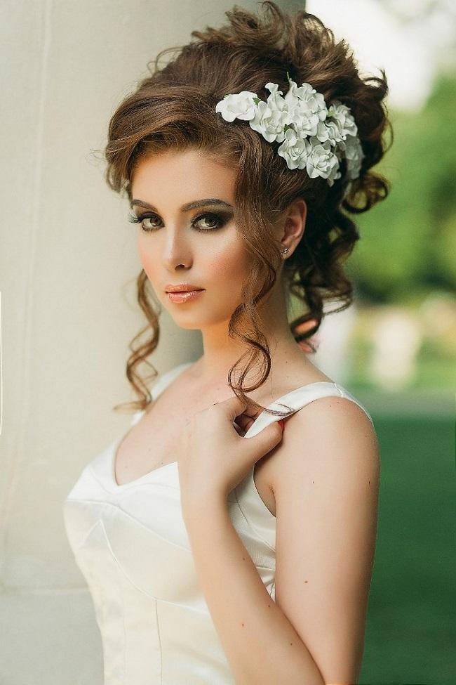 красивые укладки на свадьбу фото седло пружиной