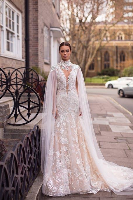 свадебные платья с длинным шлейфом