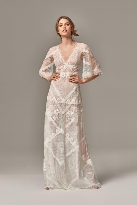 длинное кружевное свадебное платье