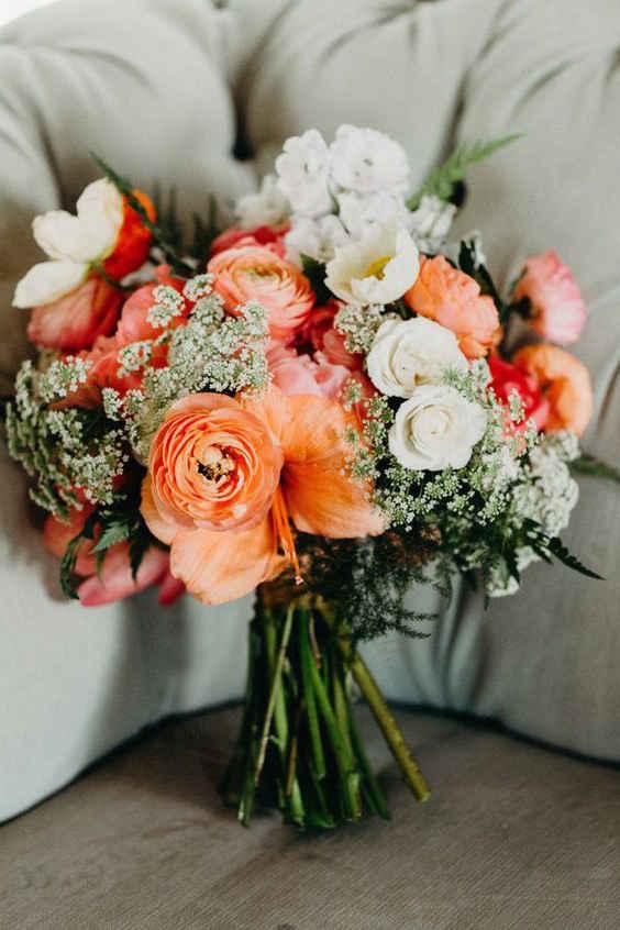 Свадебные букеты 2020: коралловые букеты для невесты