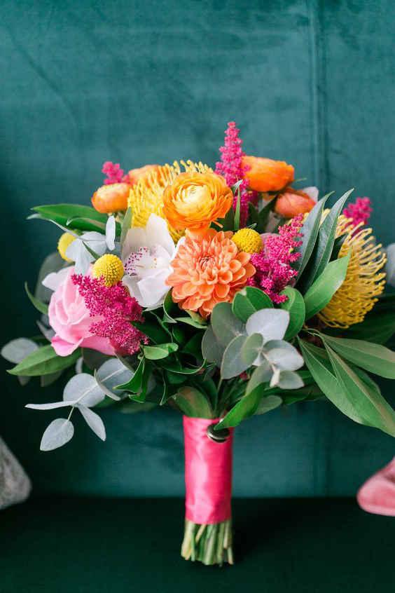 Свадебные букеты 2020: букеты из тропических цветов для невесты
