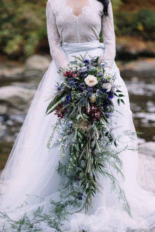 Свадебные букеты 2020: каскадные букеты для невесты